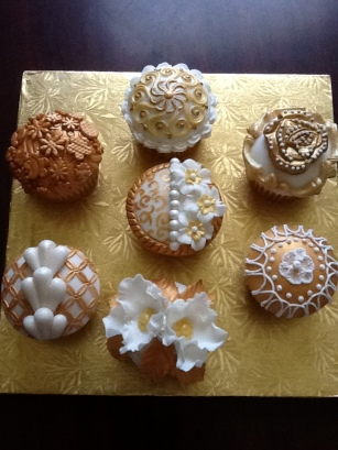 Cake Central Gold Inspiration Challenge
