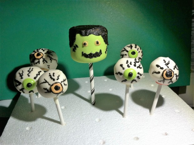Halloween Cake Pops 1st Attempt