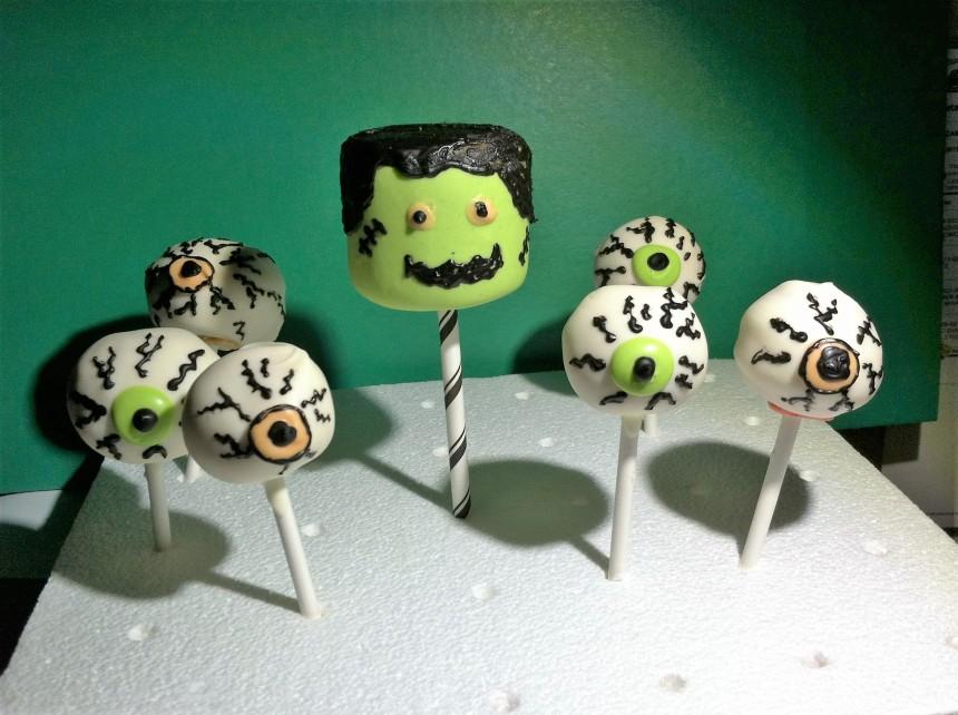 Halloween Cake Pops 1st Attempt