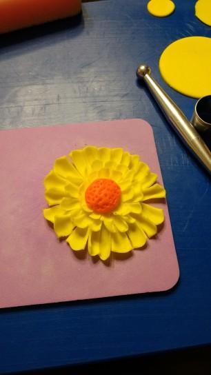 Pic 13 Stack glue daisy petals