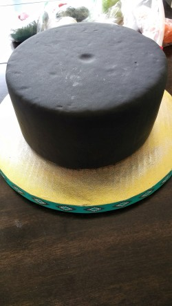 Pic 3 Covered Cake Dummy and board.jpg